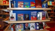 Російські стенди - навіть Медведєв встиг написати кілька книжок
