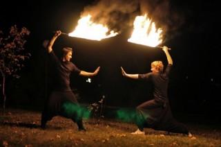 Сражение на огненных мечах