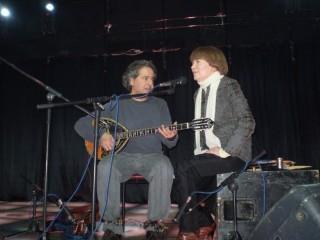 Дуэт Абажи и украинской певицы Анжелы Малуши