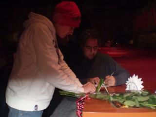 Маэстро дает автографы
