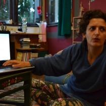Ewa Hubar, куратор проекта АРТОДРОМ от асоциации To.pole делает доклад о работе организации