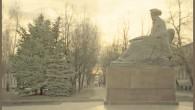 Памятник В.Даля на закате
