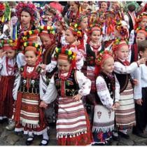 12_parade_vyshivanok